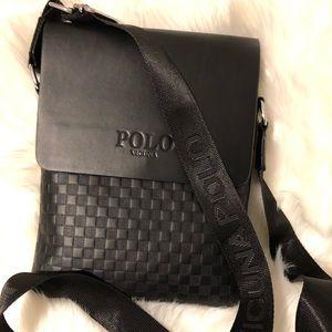 Polo Vicuña unisex cross body bag
